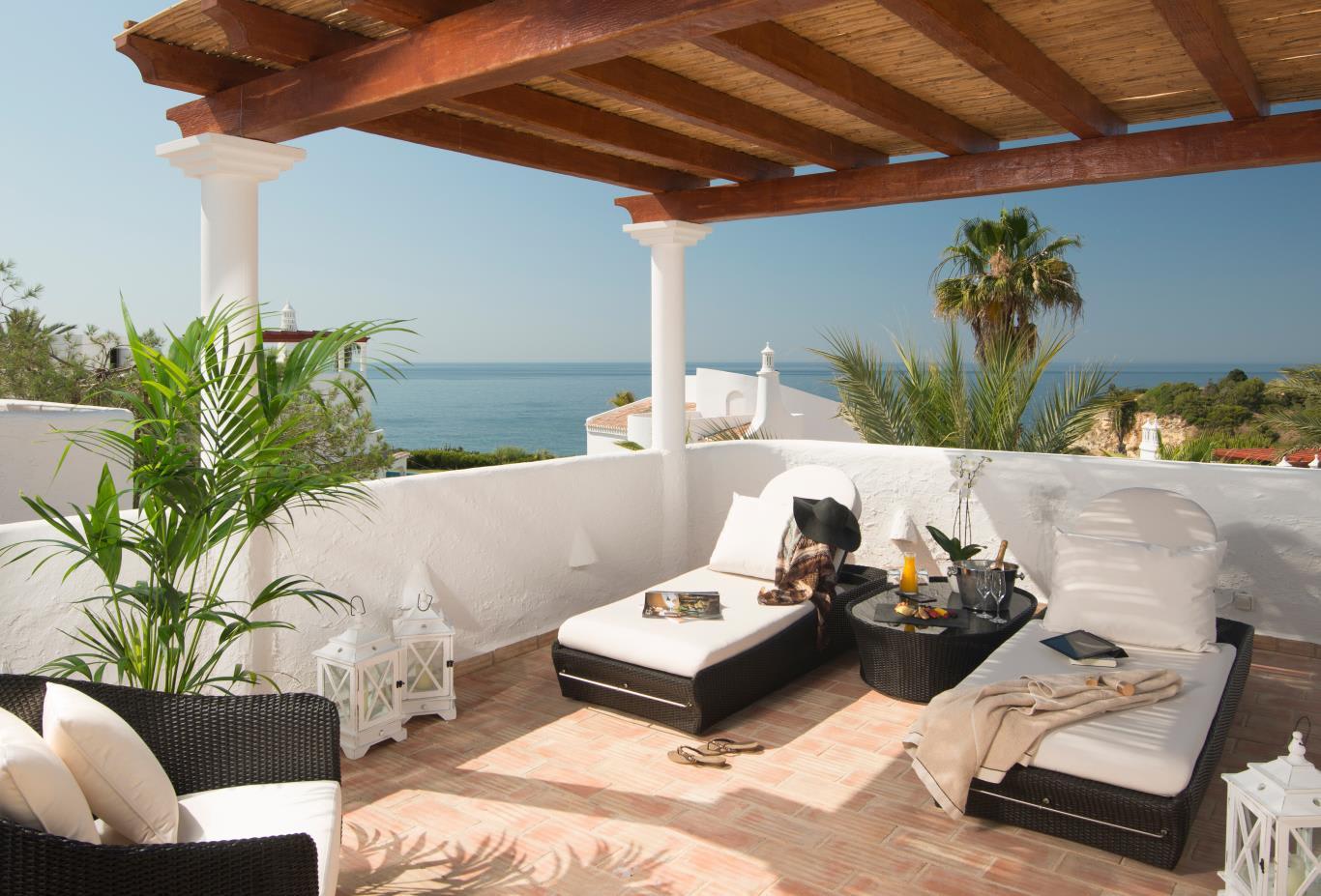 Oasis Premium Rooftop terrace