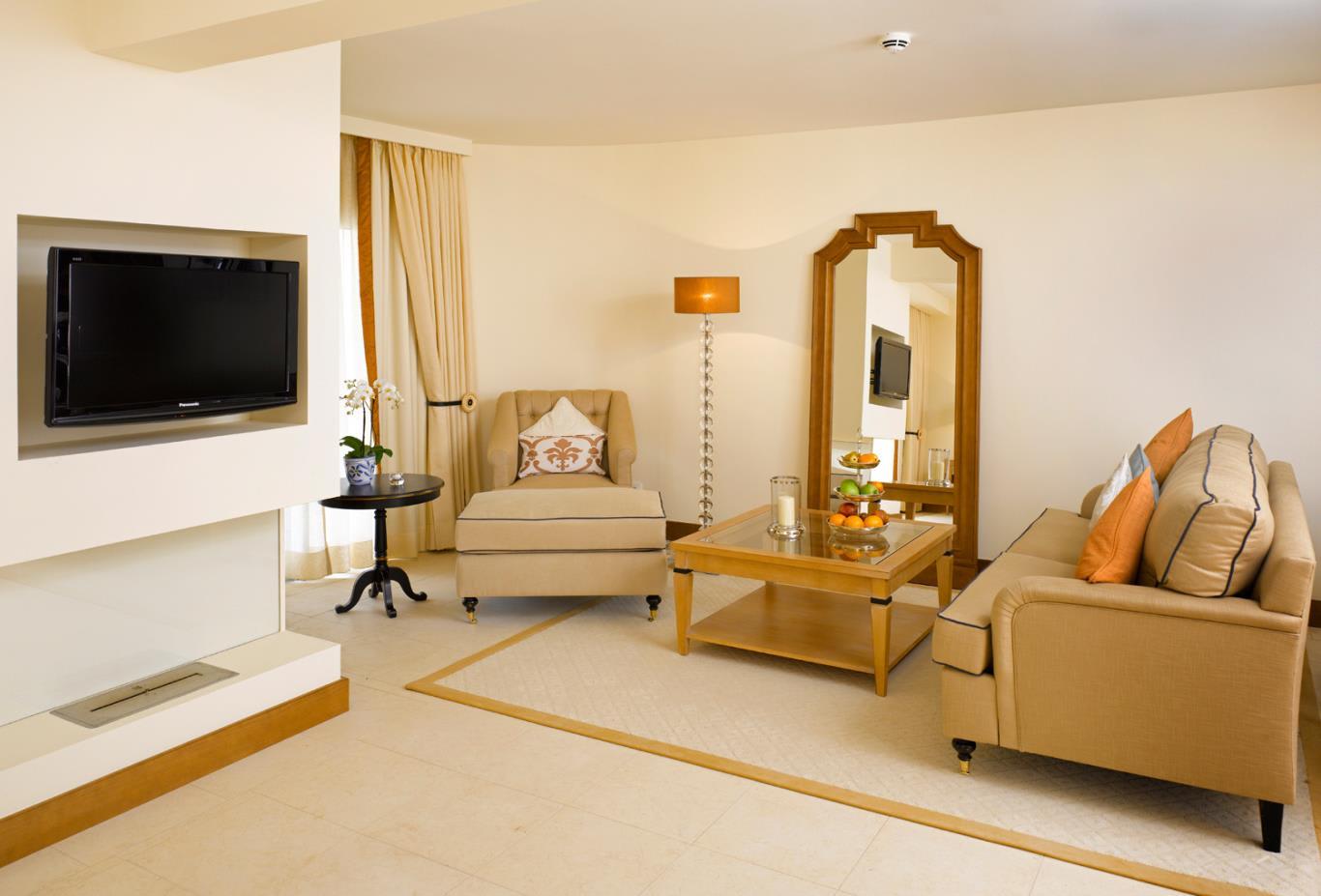 Oasis Premium living room