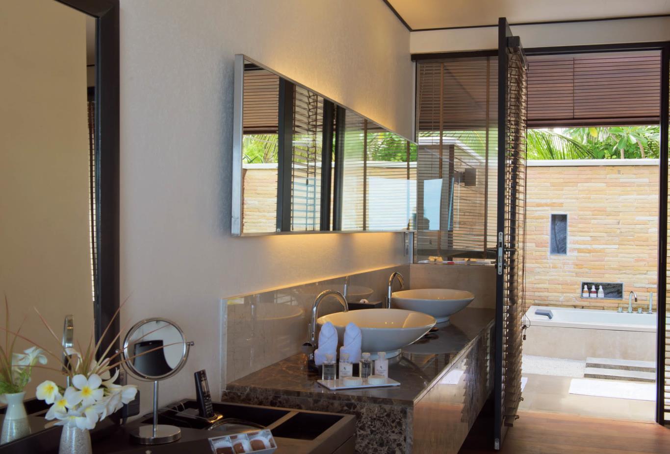 Lagoon Villa Bathroom