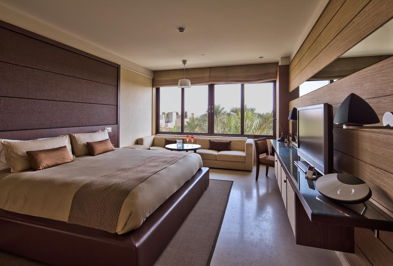 Palm-Deluxe-Room