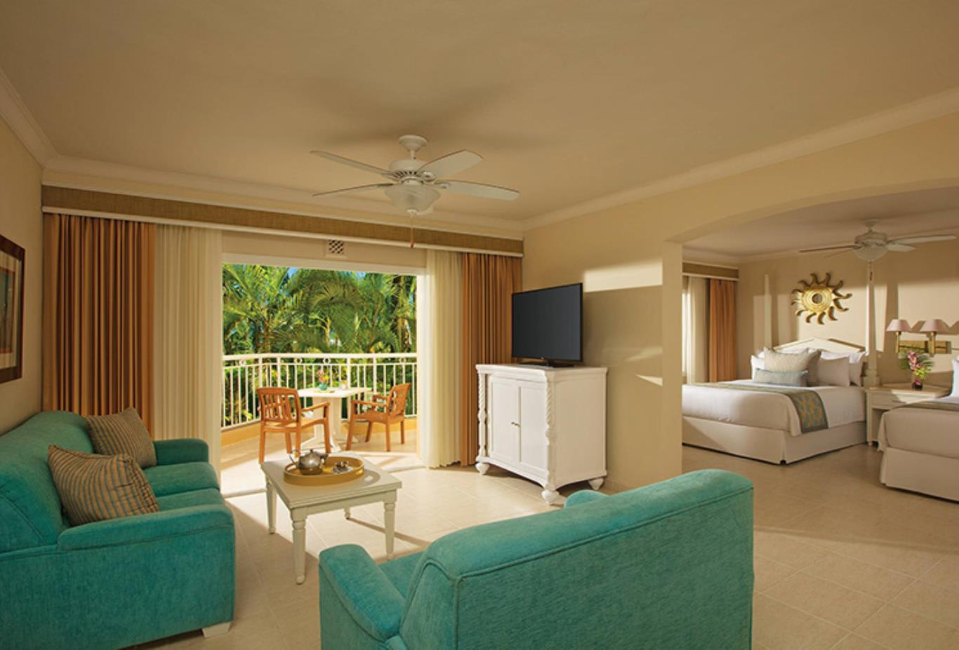 Preferred Club Junior Suite