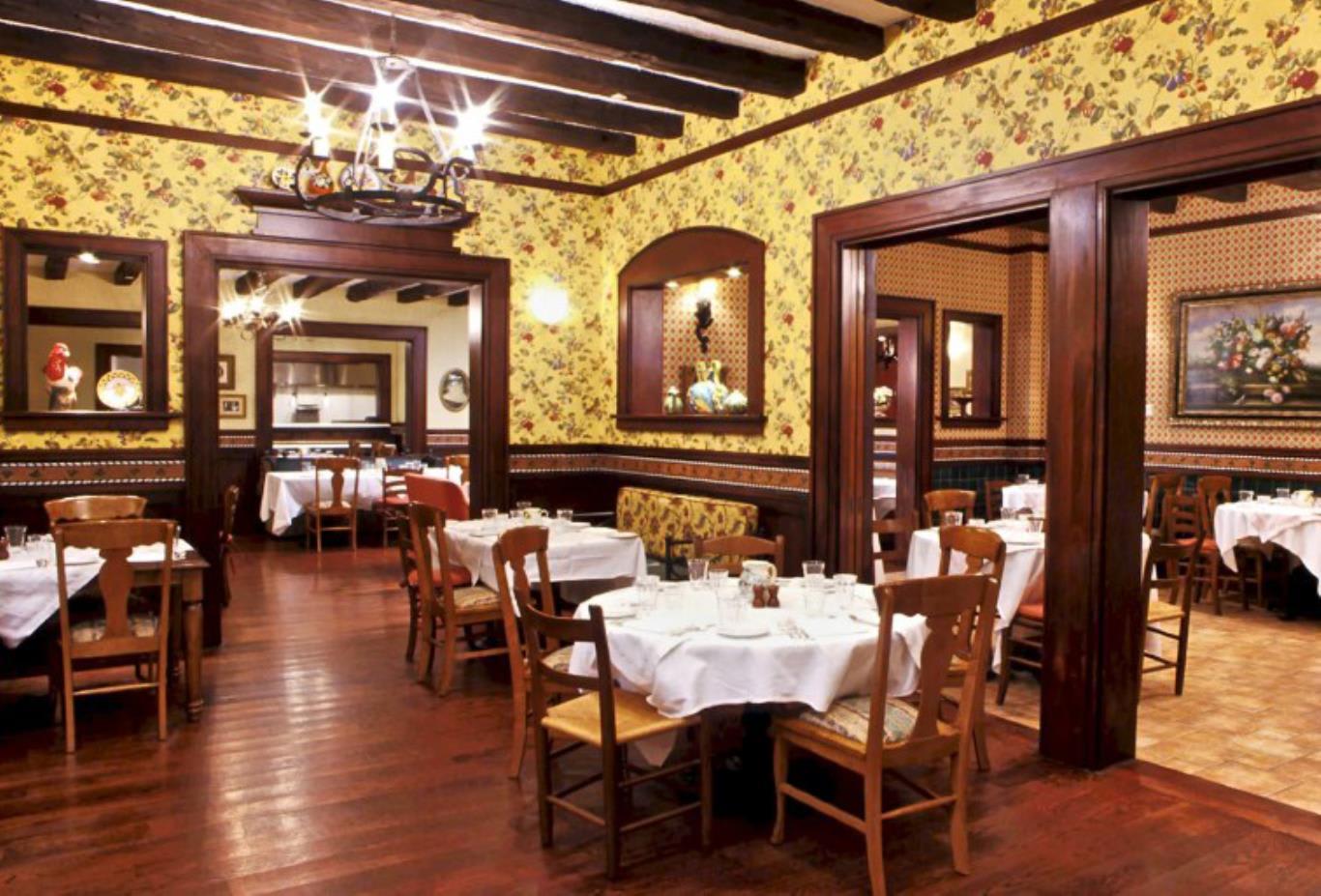 Mama Della's Restaurant