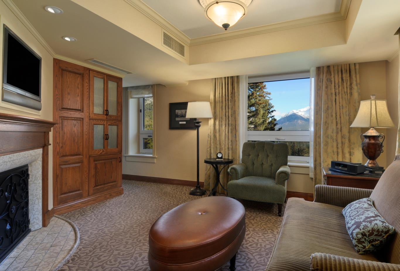 Stanley Thompson Mountain View Suite