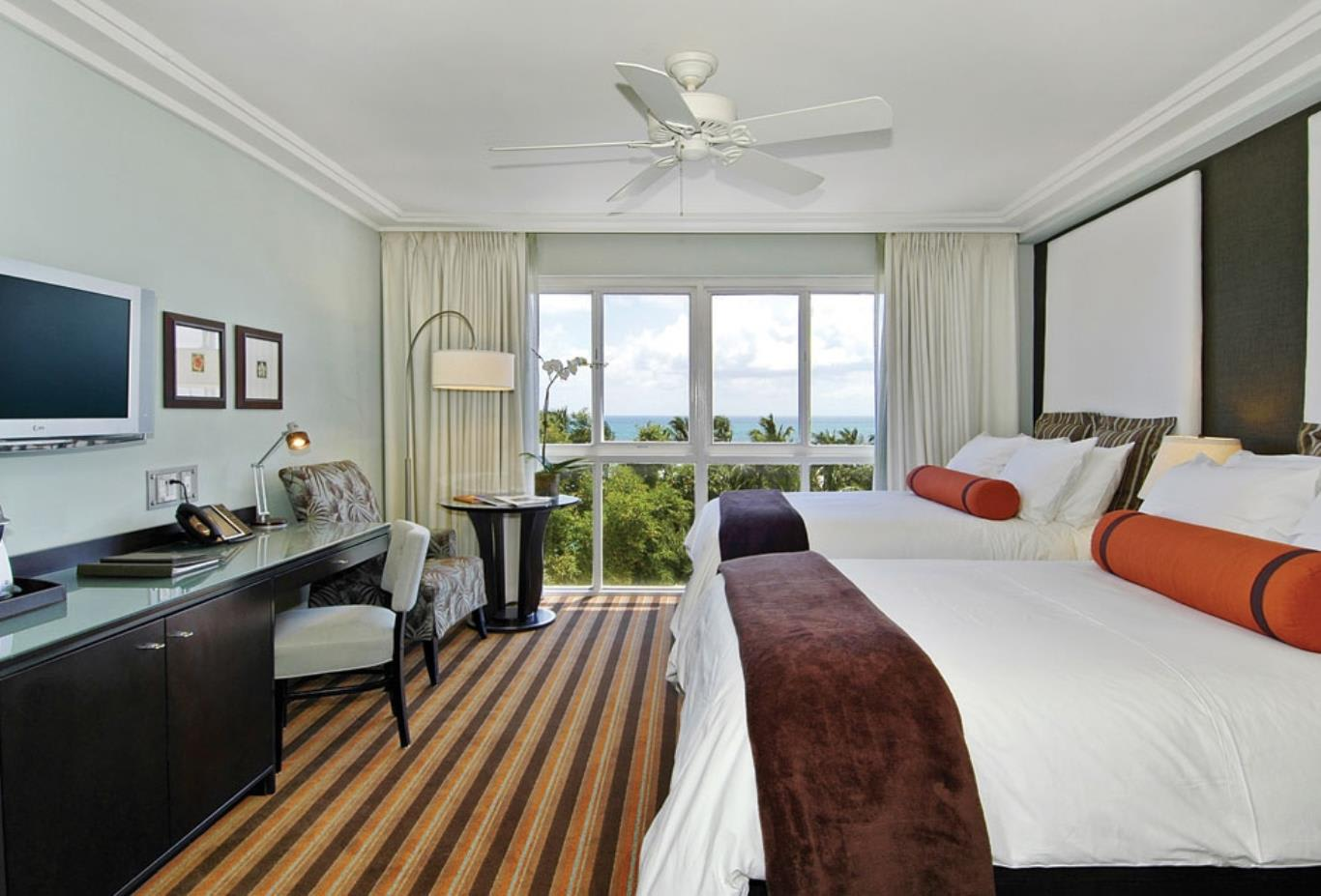Oceanfront Room WithTwo Double Beds