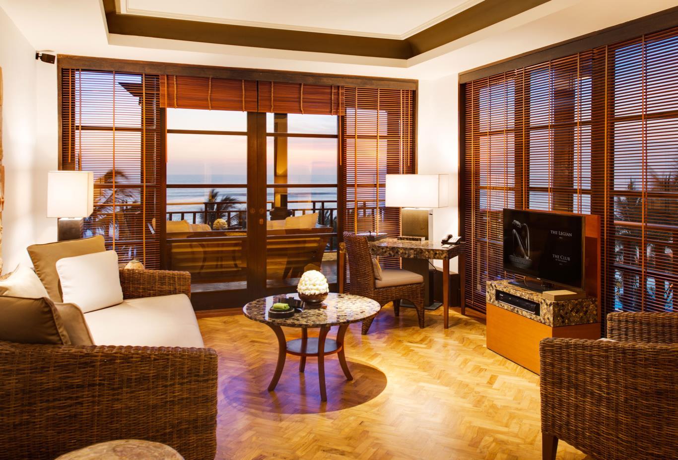 1Bedroom-Deluxe-Suite-Living-Area