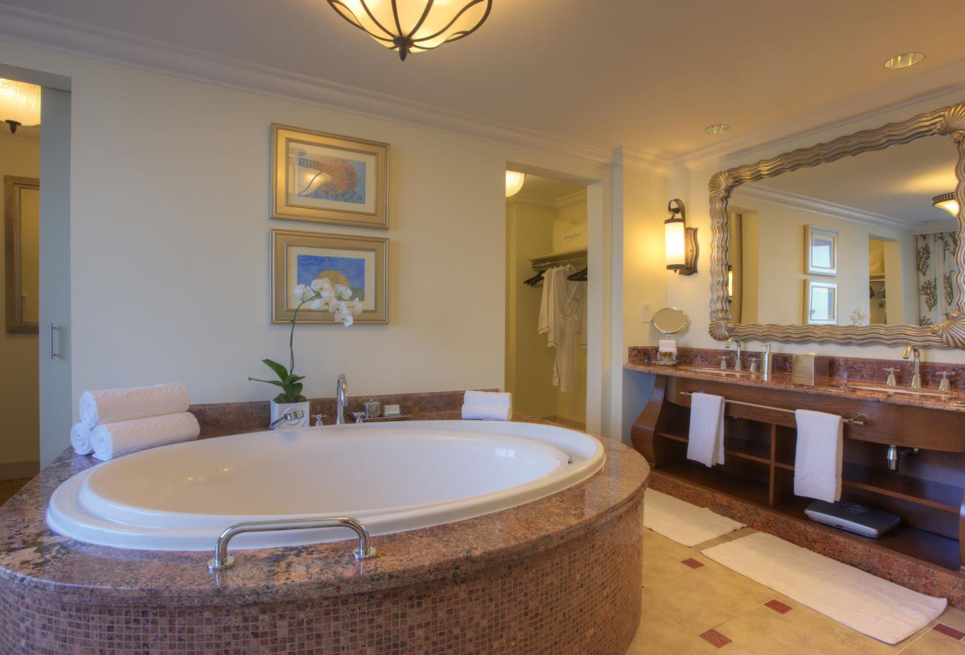 Executive-Suite-bathroom