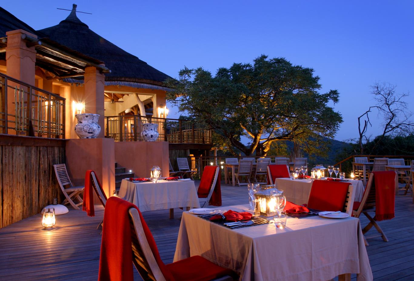 Safari Lodge - Dining Deck