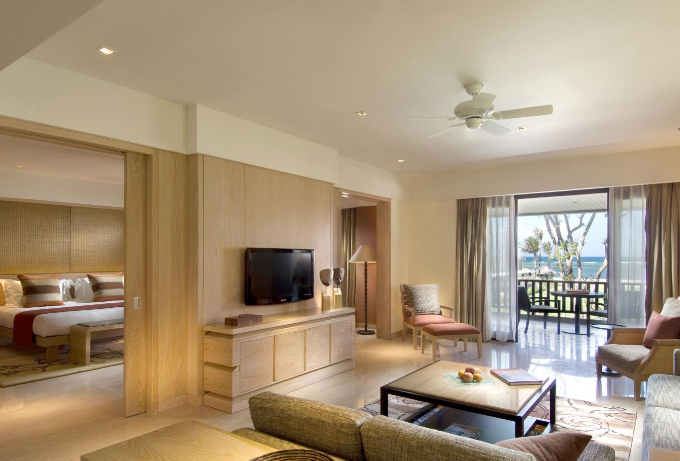 Conrad-Suite-Living-Room
