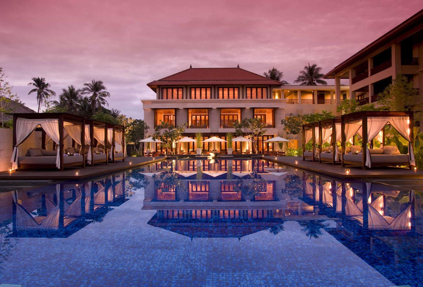 Suites Pool at Sunrise