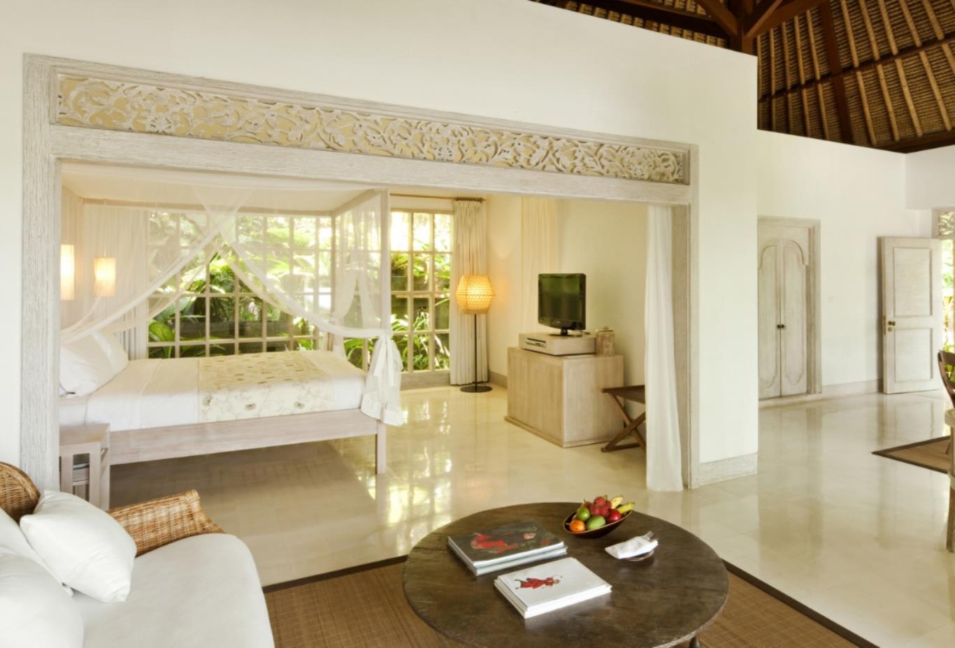 Uma Pool Villa room
