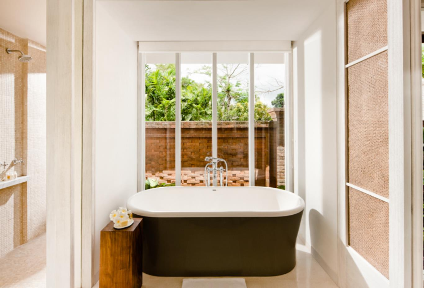 Uma Pool Villa Bathtub