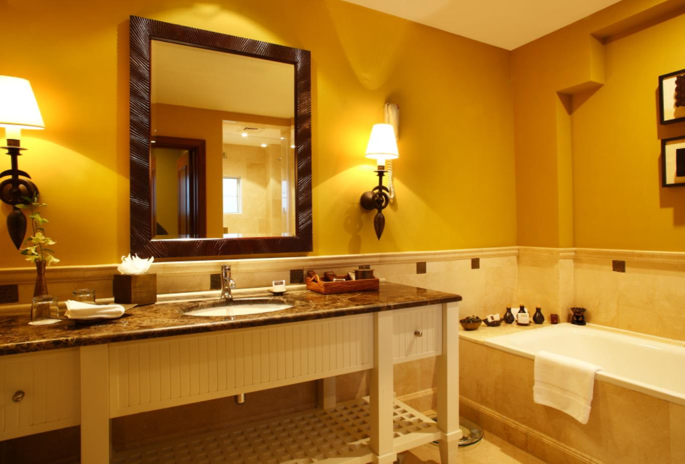 Anantara Suite bathroom