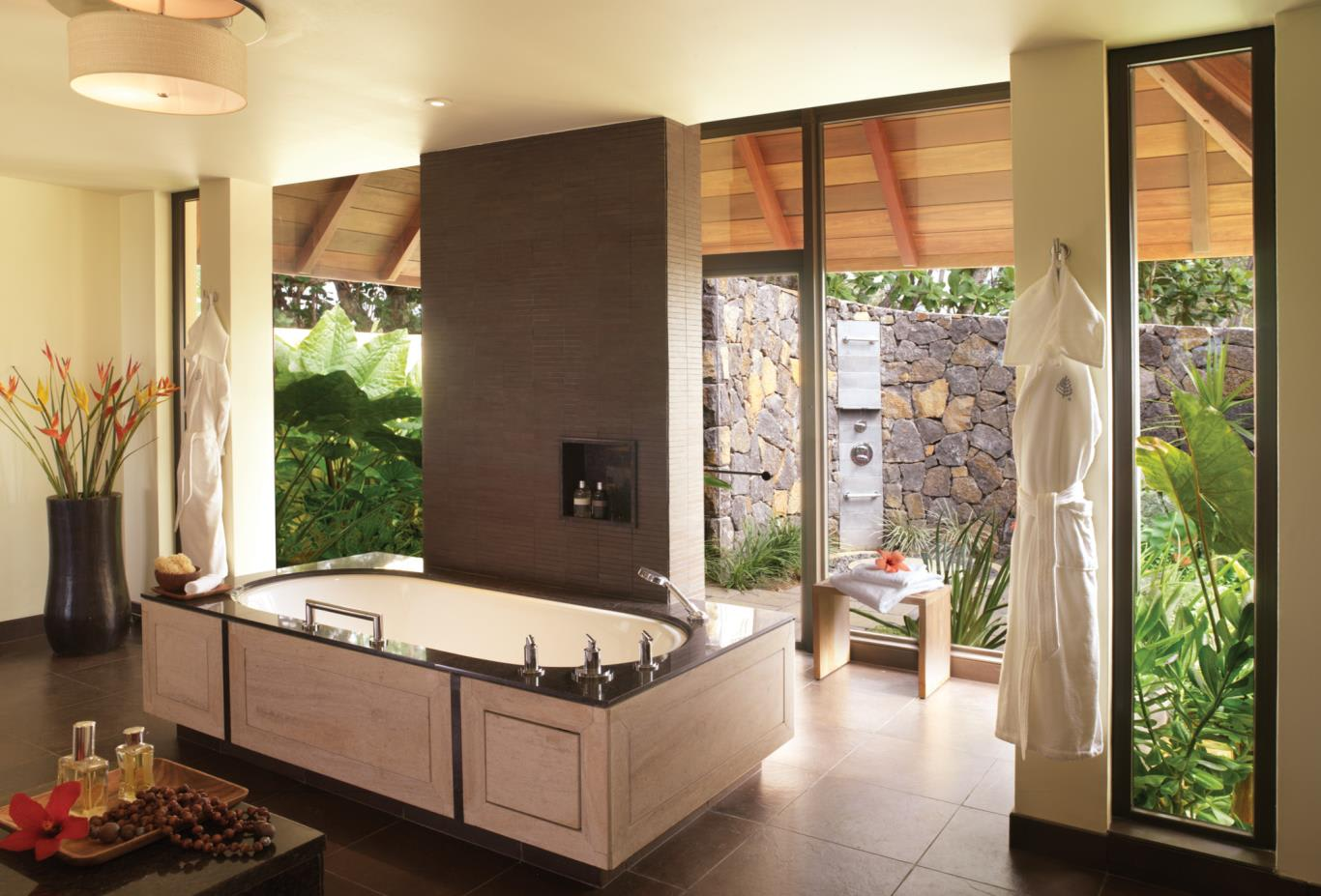 Villa - Beach or Ocean or Garden interior bathroom