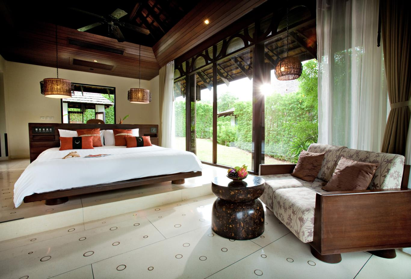Deluxe-Villa-Bedroom