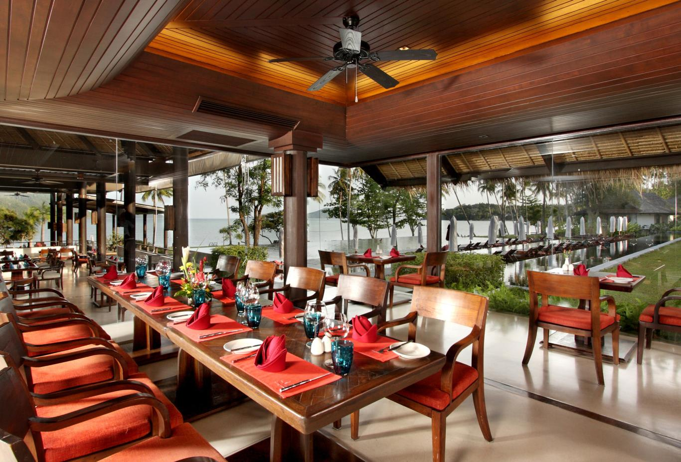 The-Savoury-Restaurant-VIP-room-