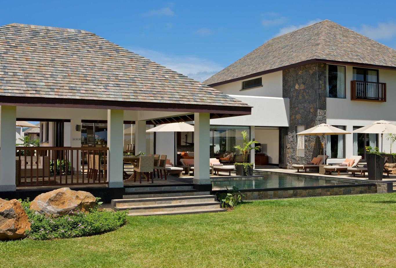 Prestige villa from outdoors