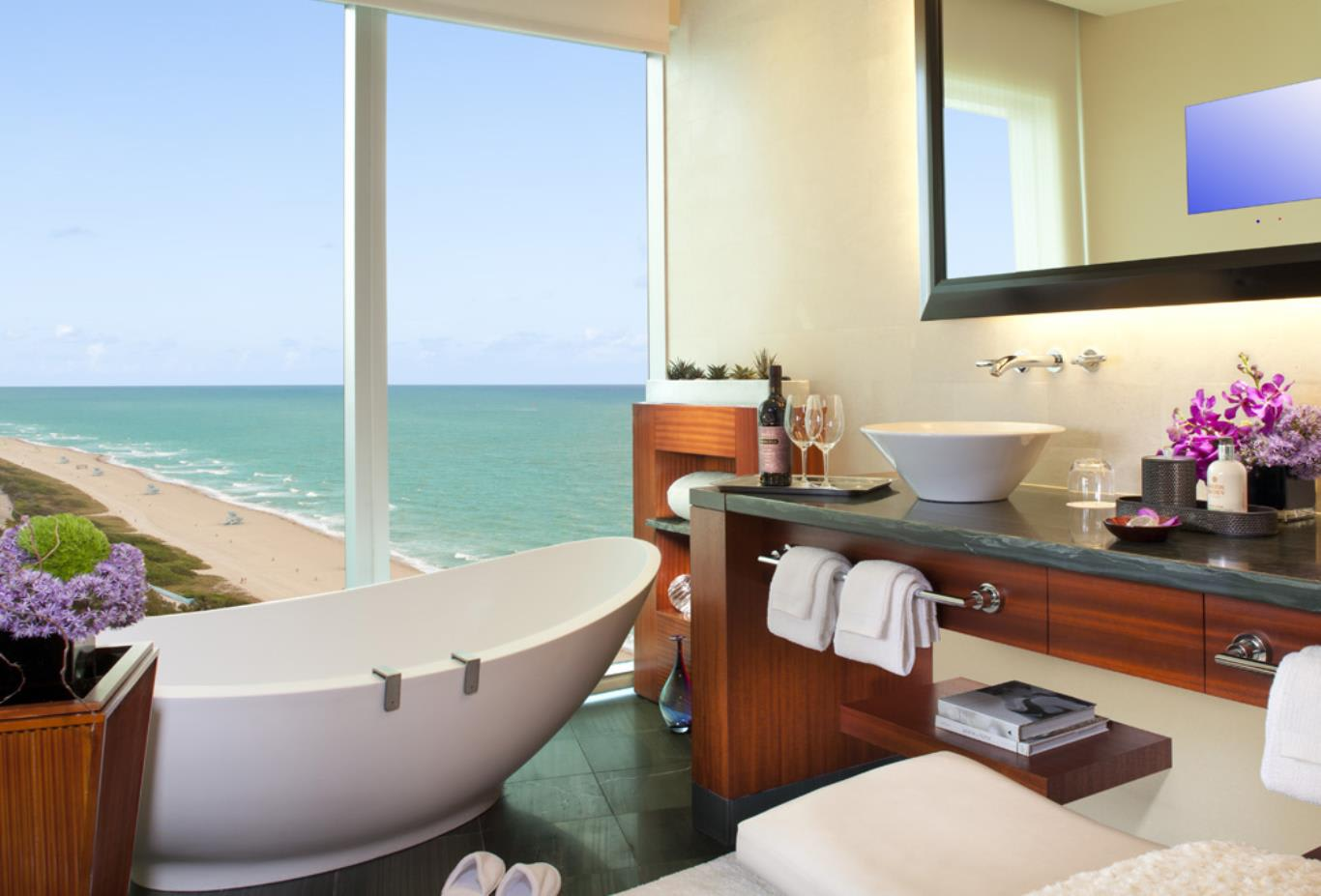 Guestroom-bath-nws
