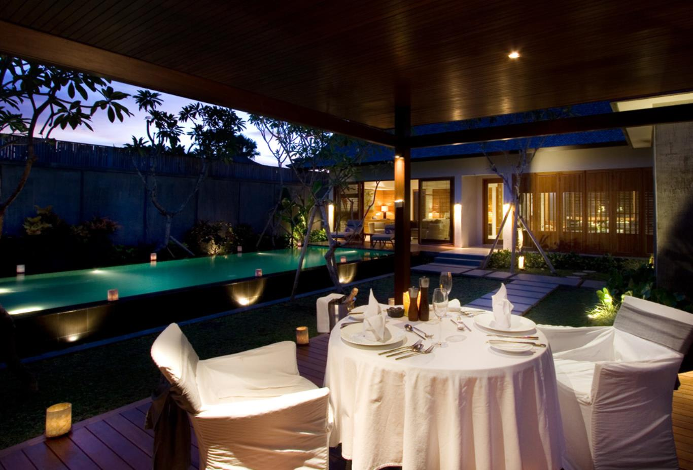 Romantic in villa dinner