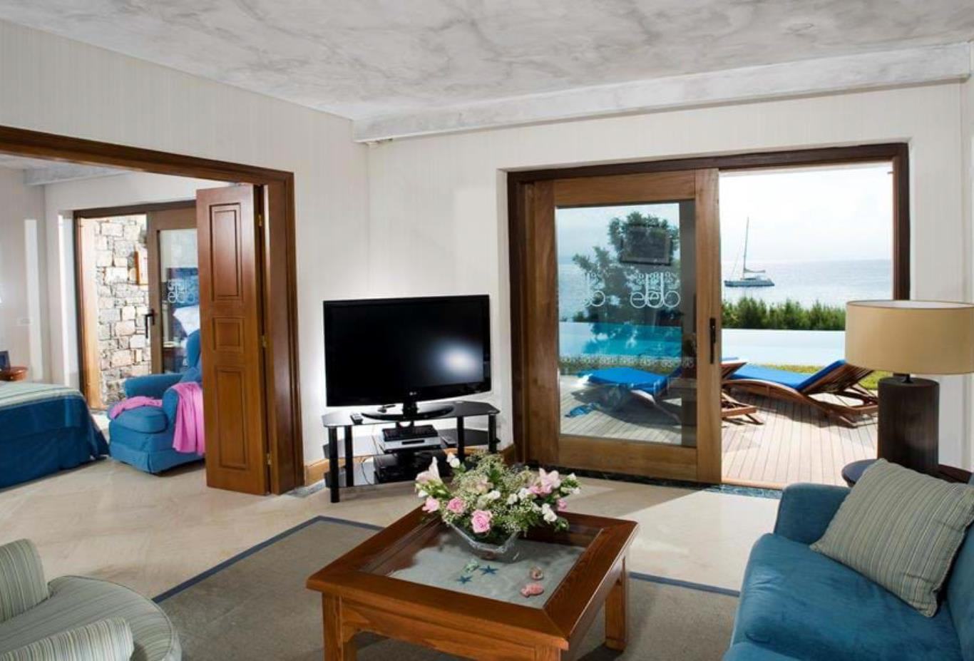 Gold Club   Mediterranean Villa Front Sea View with private pool2