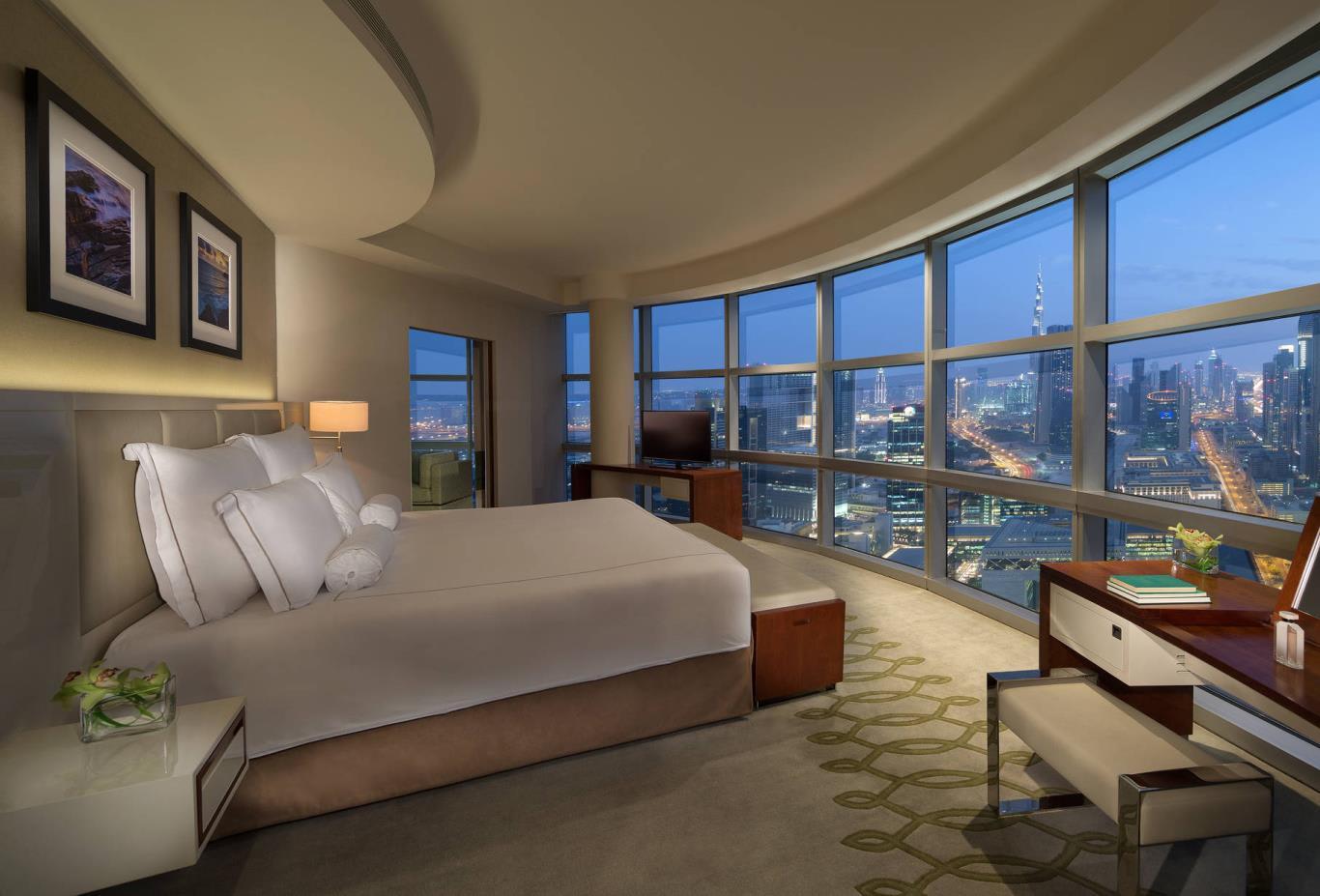 Club_Suite_Bedroom
