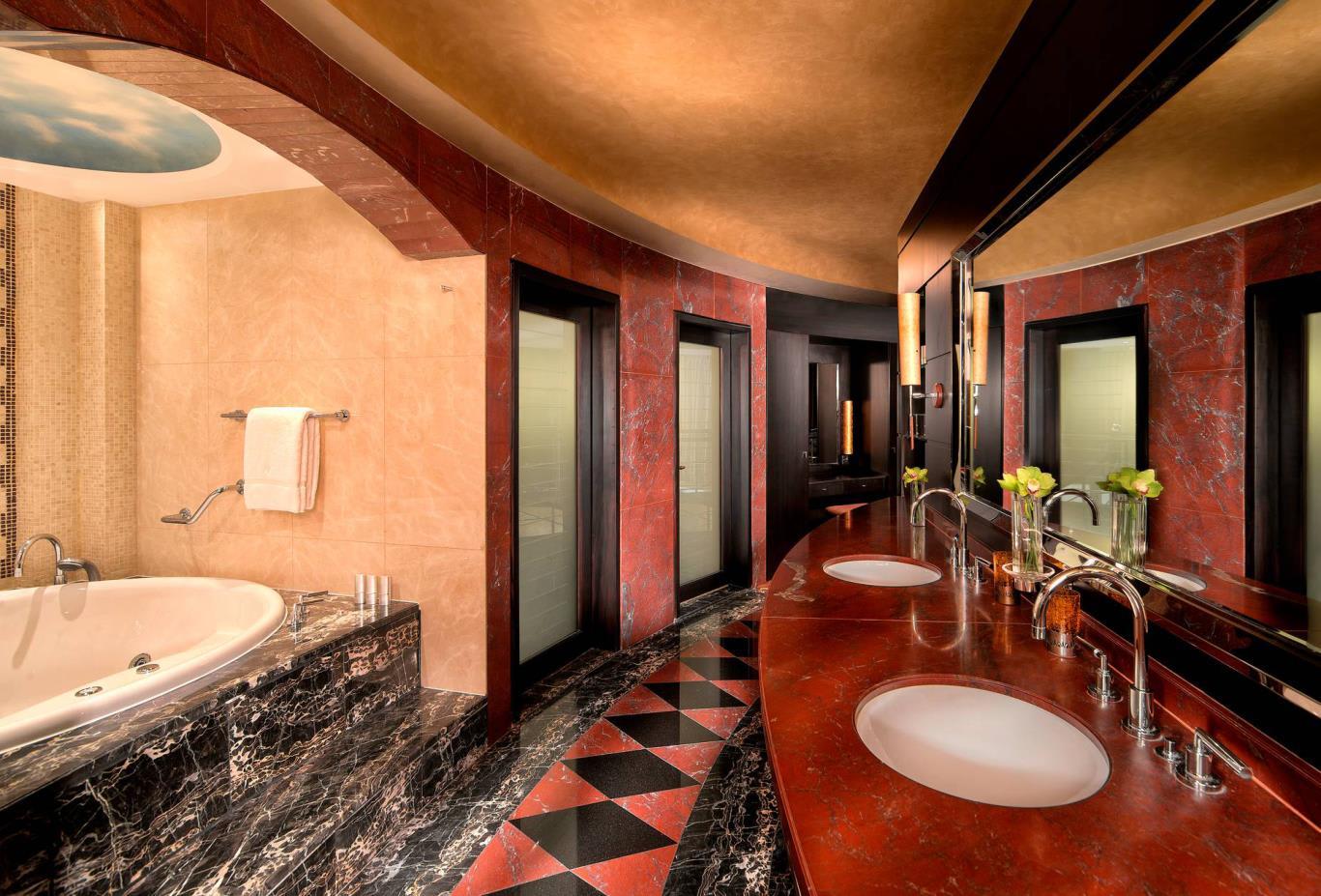 Royal_Suite_Bathroom