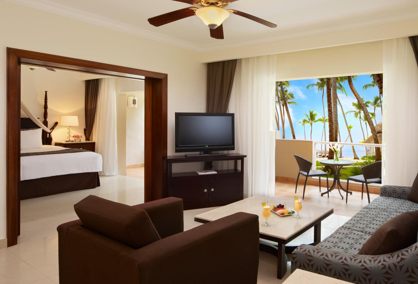 Honeymoon Suite Ocean View Preferred Club