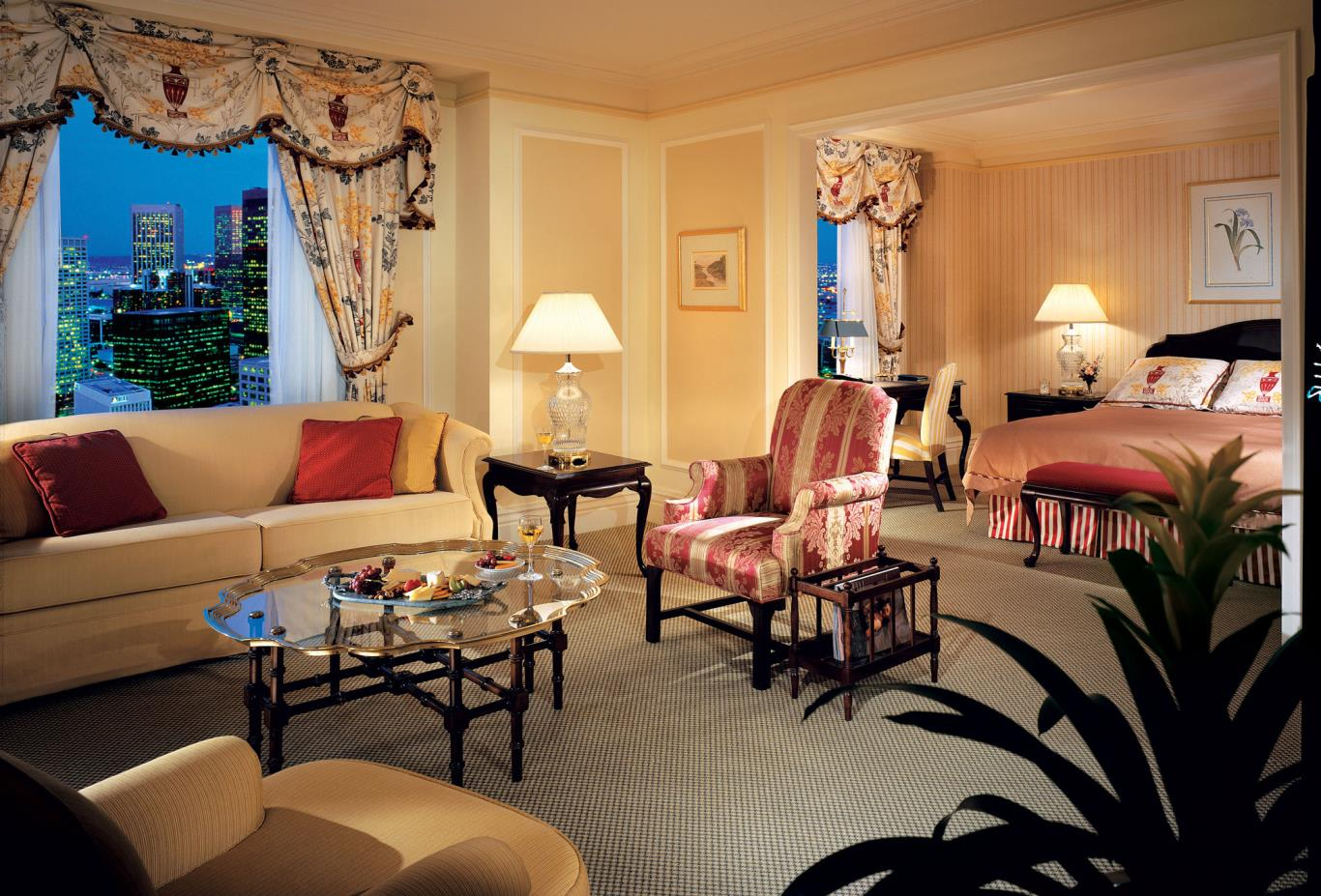Fairmont Gold Juinor Suite