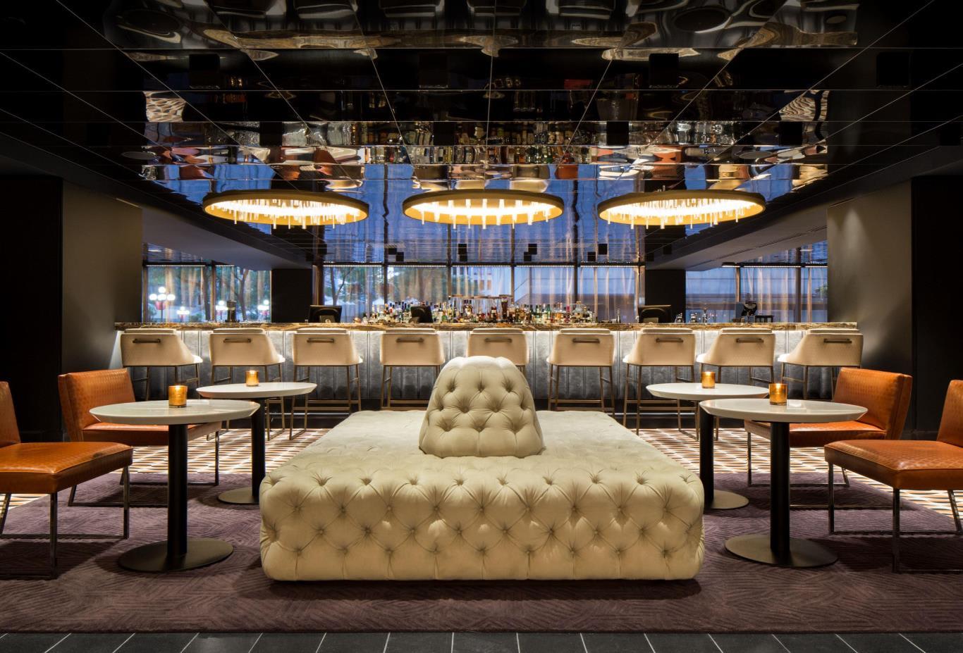 Nacarat Bar