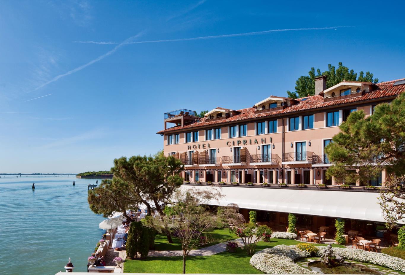 Hotel Cipriani Facade