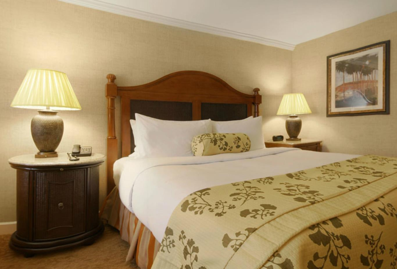 Fairmont King Guestroom