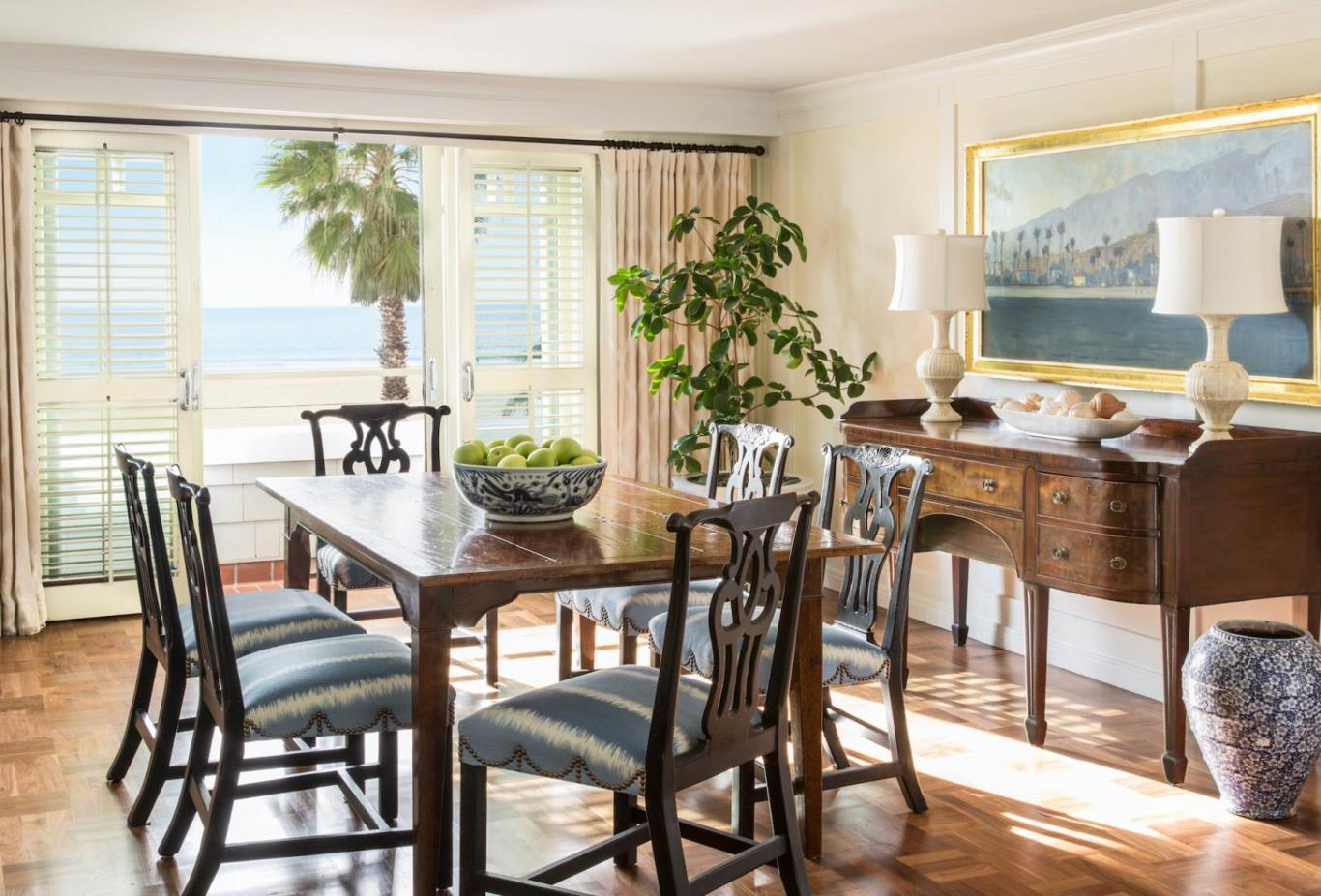 Beach House Suite Dining Room