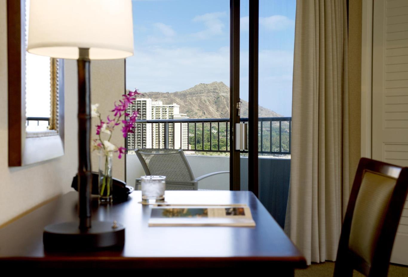 Tower Ocean Suite Diamond Head