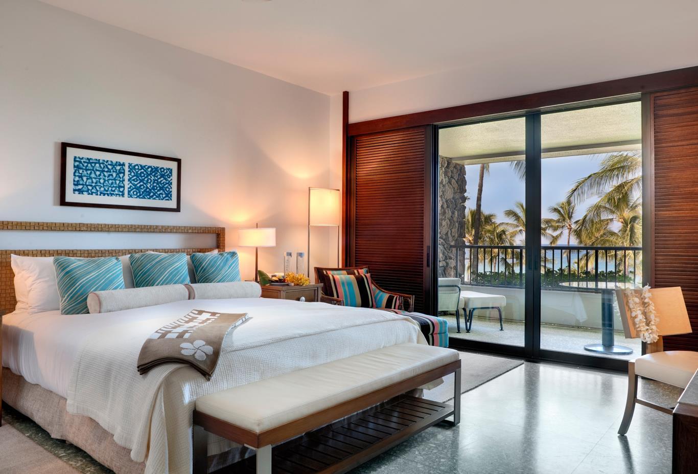 Plumeria-Beach-Club-King-Bedroom