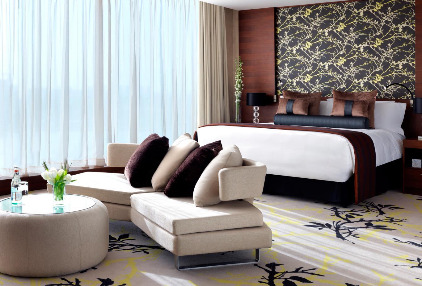 Fairmont-Gold-Superior-and-Superior-View-Room