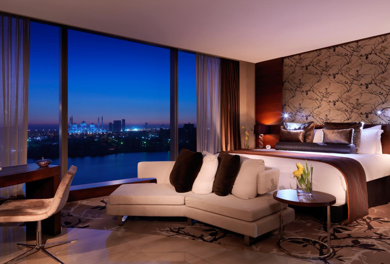 Fairmont-Gold-View-Room