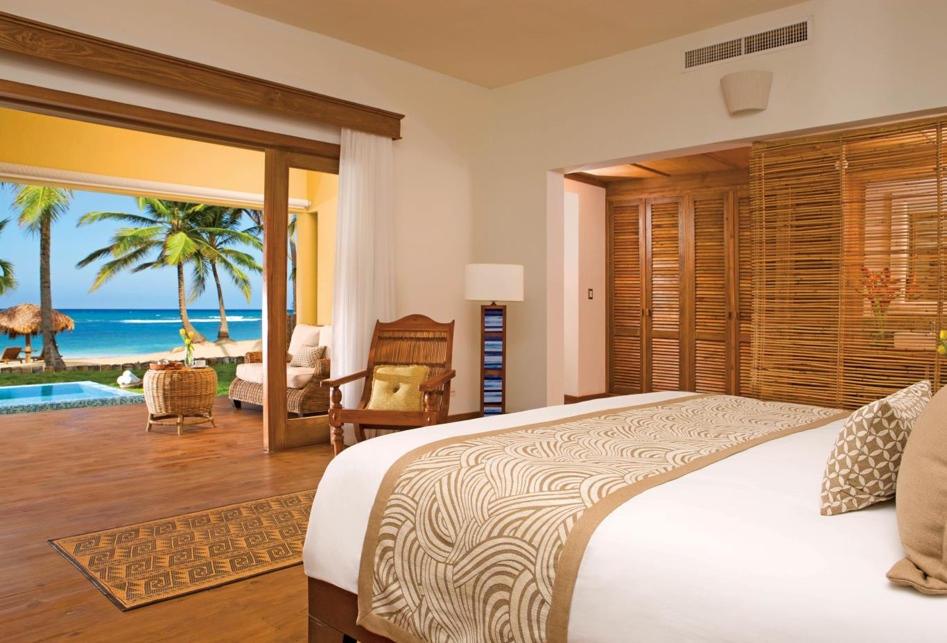 Junior Suite Ocean Front Deluxe