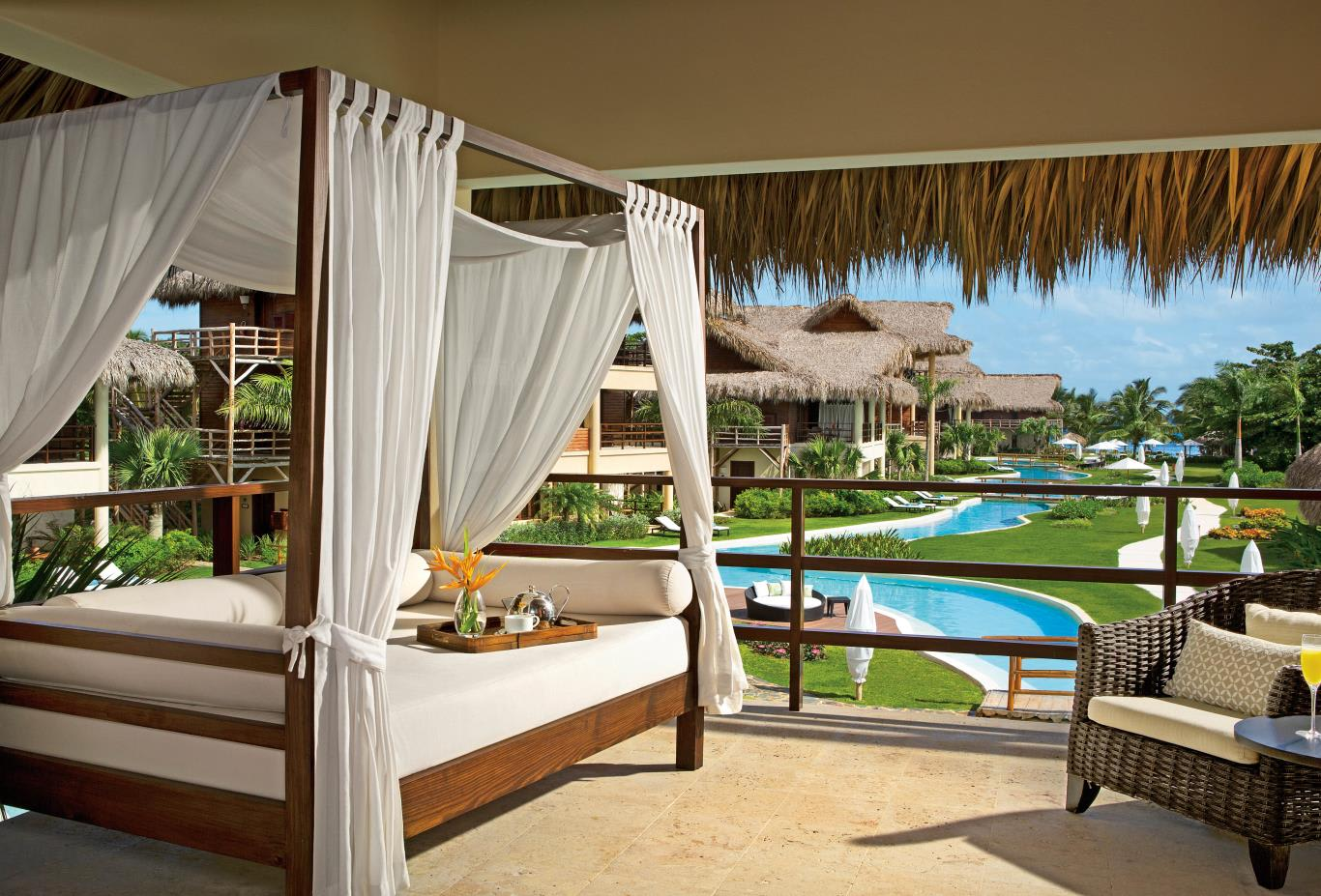 Romantic Junior Suite Terrace with Pool View