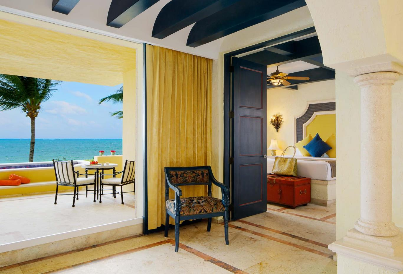 Master Suite Ocean Front Two Bedroom Suite with Plunge Pool