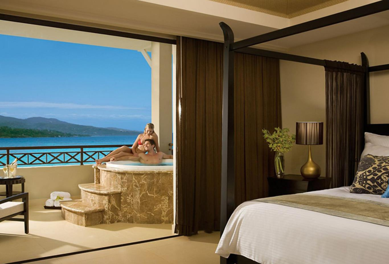 Preferred Club Presidential Suite Ocean Front