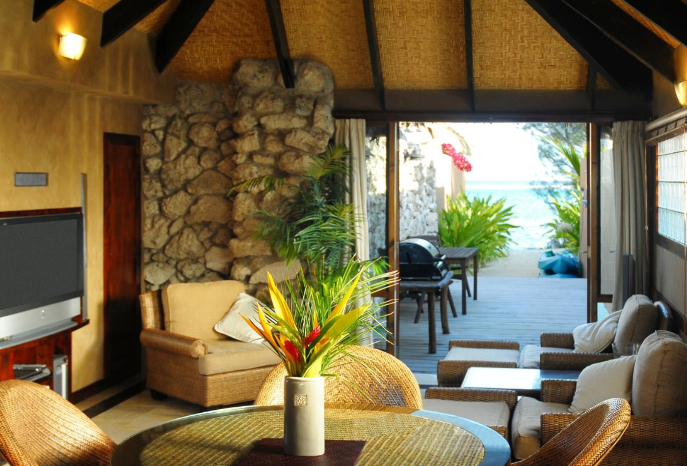 Beachside-Romance-Villa-interior