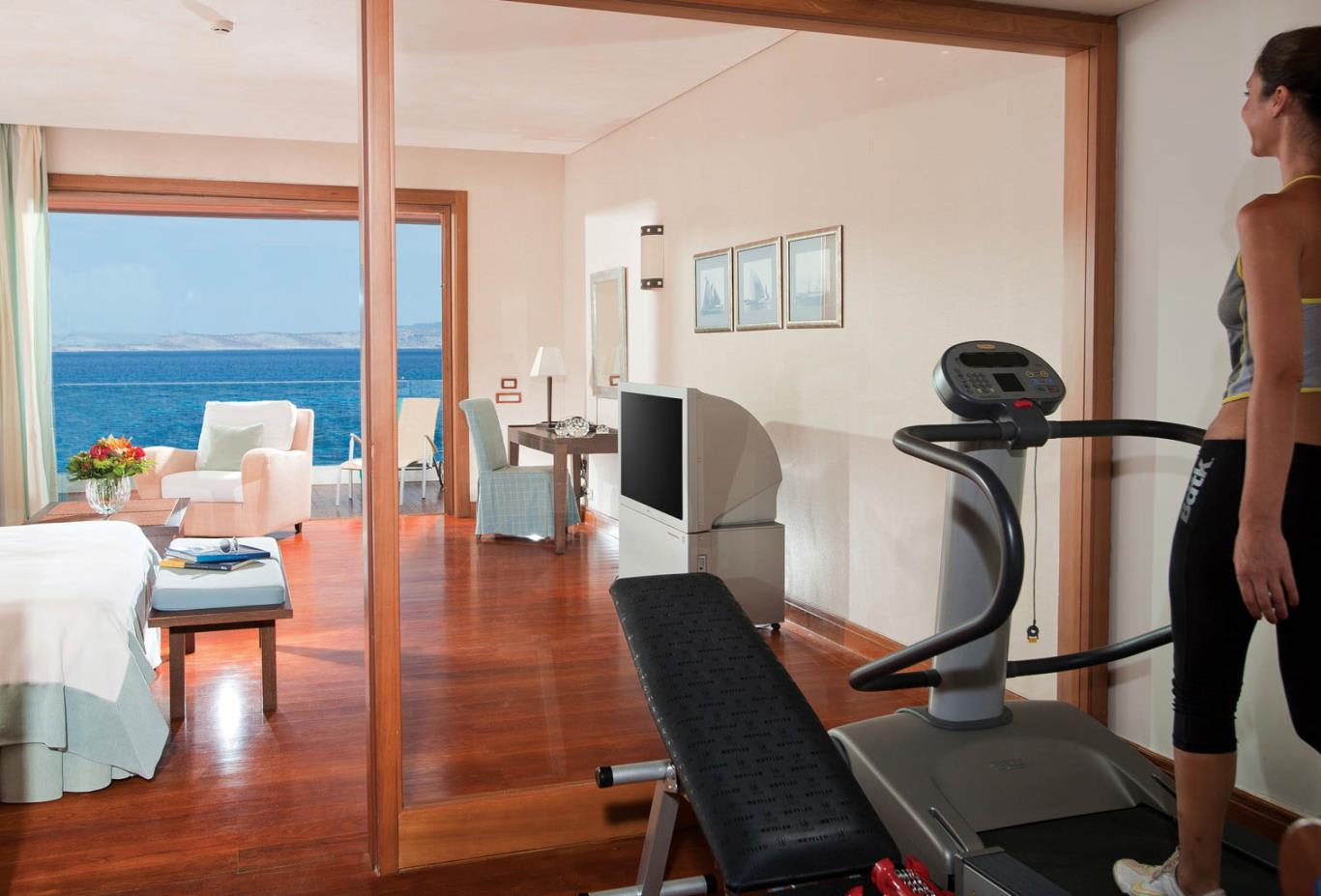 Deluxe Waterfront Suite with Gym