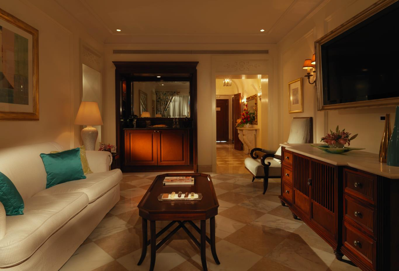 Luxury Orchid Suite