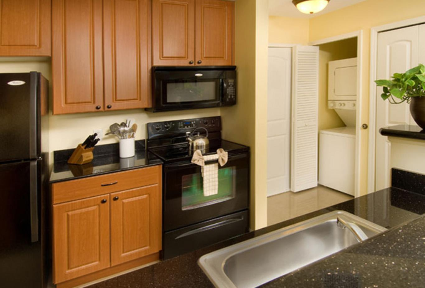 Grand One Bedroom Suite Kitchen