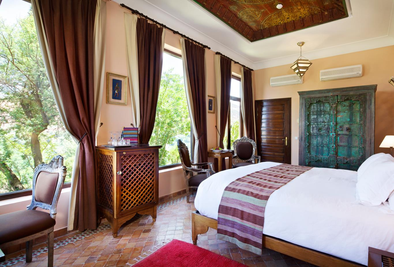 Deluxe-Room-Master-Suite
