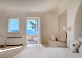 Vibrant Suite Interior and View