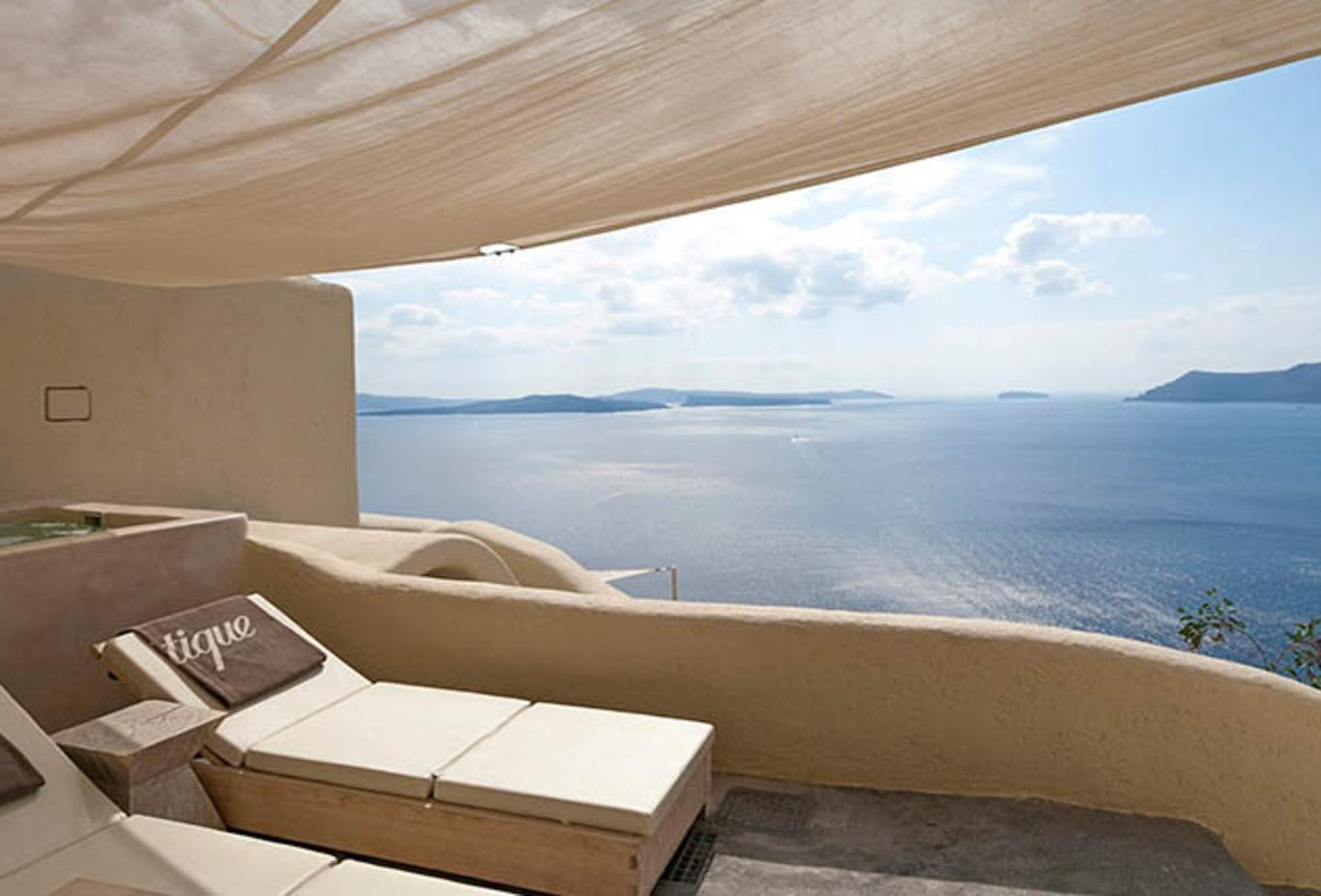 Air of Secrecy villa balcony