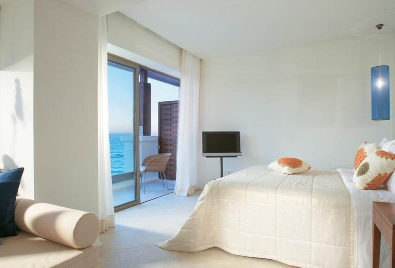 Luxury Guestroom with Sea View