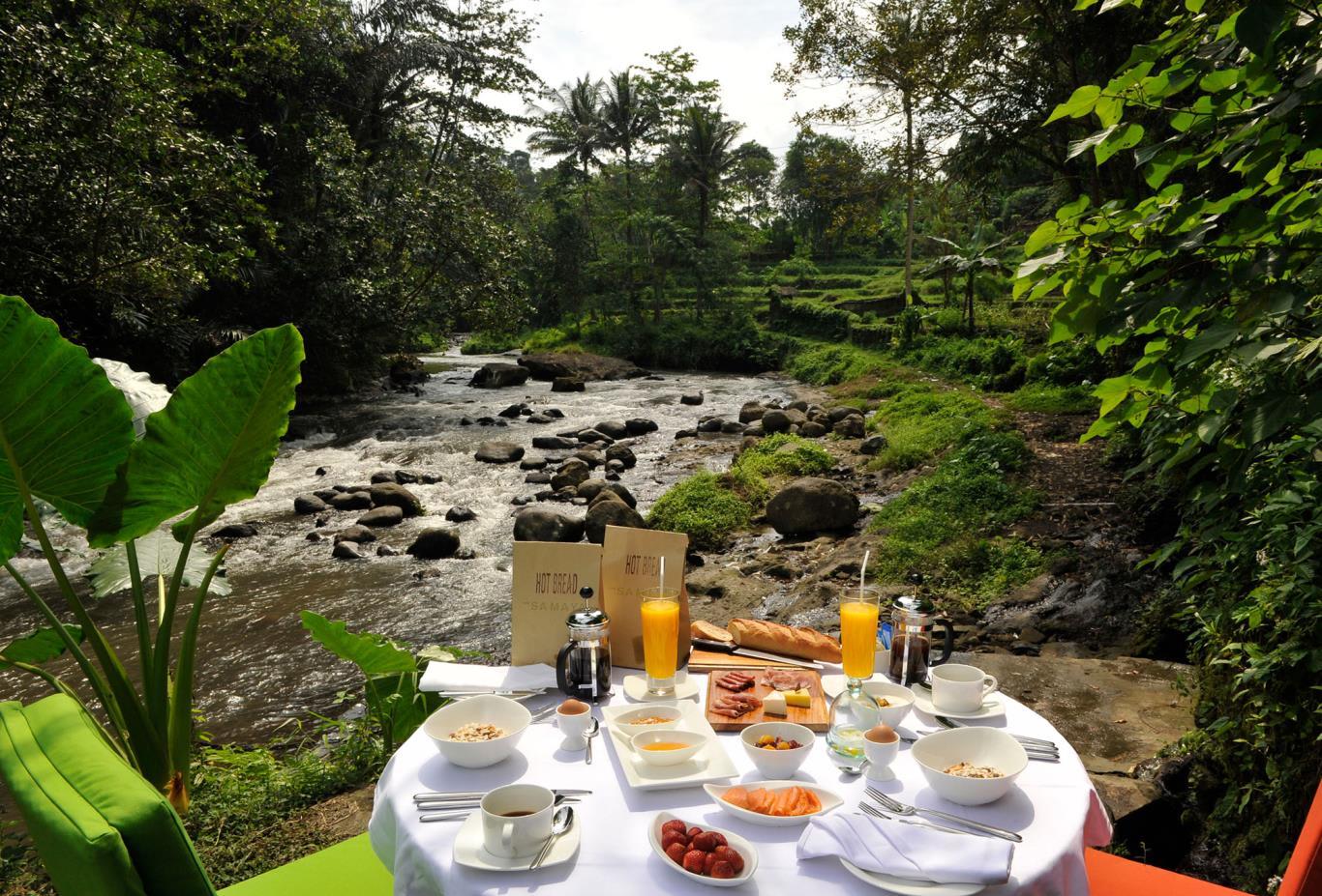 River view breakfast