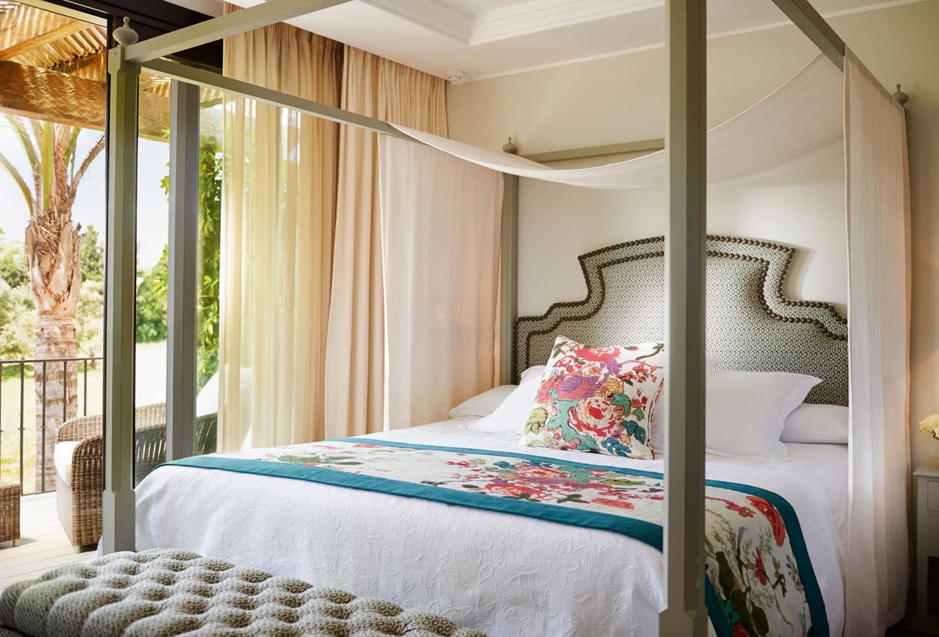 Al Andalus Suite Bed