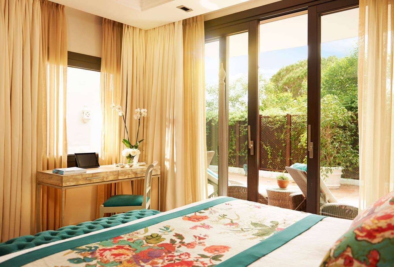 MC Suite Bed